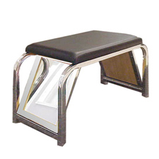 Shoe bench with mirrors
